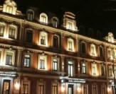 освещение фасада обчными прожекторами
